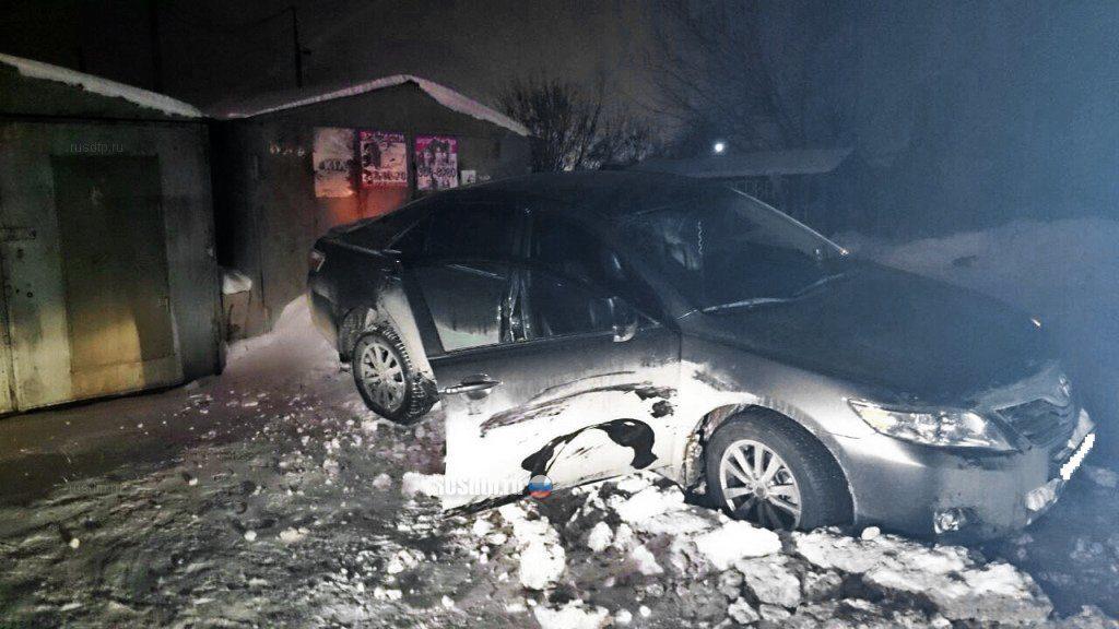 В Башкирии пьяный мужчина угнал машину вместе с людьми и врезался в дом