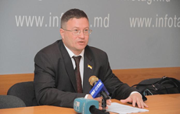 Армения предоставила убежище российскому оппозиционеру