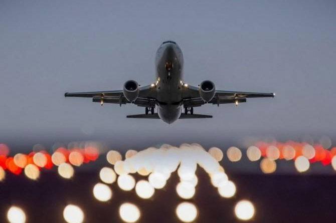 Абашидзе и Карасин обсудят в Праге возобновление прямого авиасообщения