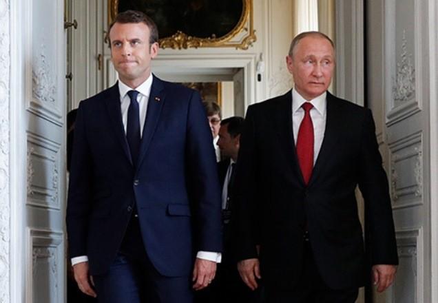 Путин провел телефонные переговоры с Макроном