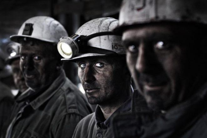 Бастующие российские шахтеры получили продуктовые карточки вместо зарплат
