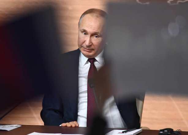 Путин высказался о критикующих поддержку семей с детьми