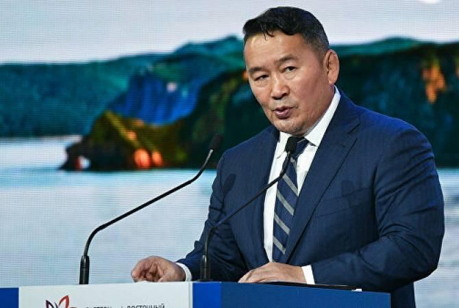 Президент Монголии подарил Китаю 30 тысяч баранов