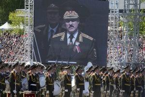 Минобороны Беларуси не собирается отменять Парад Победы и репетиции к нему6
