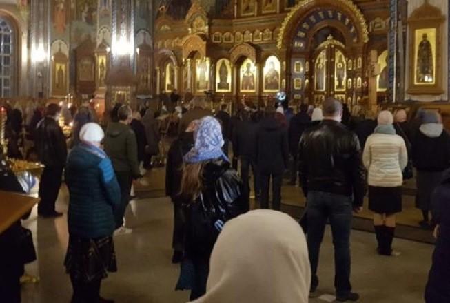Несмотря на призыв патриарха Кирилла молиться дома, воронежцы пошли на Пасху в храмы8