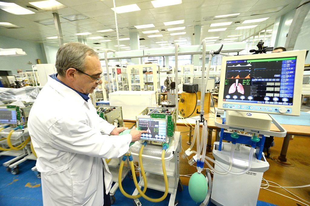 Уральский завод приостановил поставку своих аппаратов ИВЛ в больницы после пожаров и смерти шести пациентов в Москве и Петербурге