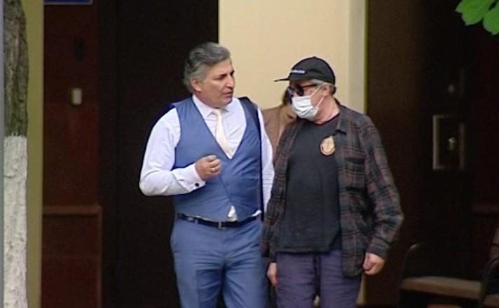 Адвокат Ефремова утверждает, что не знает, кто сидел за рулем в момент ДТП