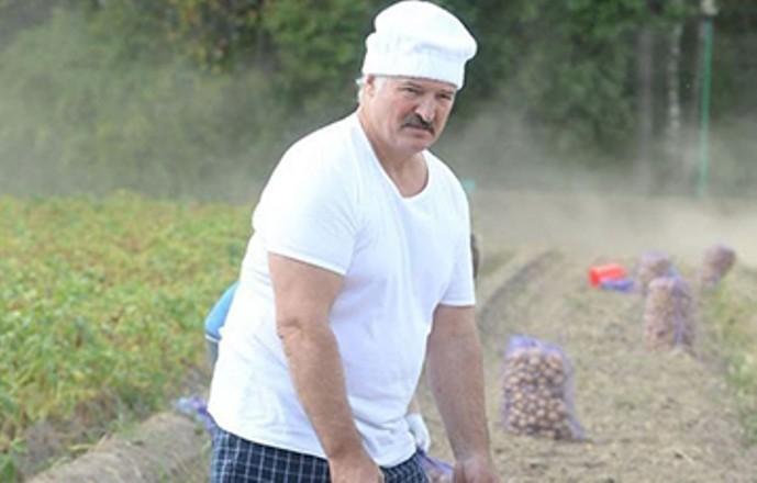 Лукашенко напугал граждан цветными солдатами НАТО, лаптями и плеткой