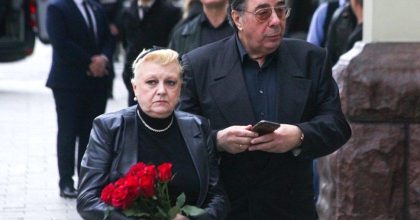 Актрису Наталью Дрожжину и ее мужа задержали по обвинению в мошенничестве с наследством Алексея Баталова