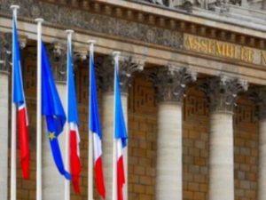 Во Франции запретили секс с детьми до 15 лет