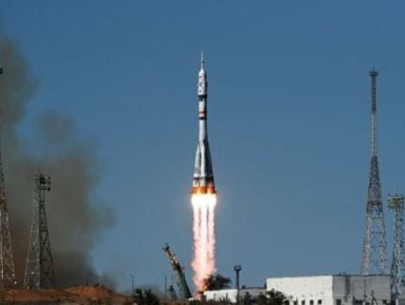 Ученые провели эксперимент во время полета киноэкипажа в космос