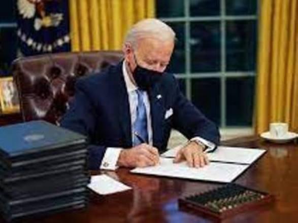 Байден подписал закон о помощи военным с «гаванским синдромом»