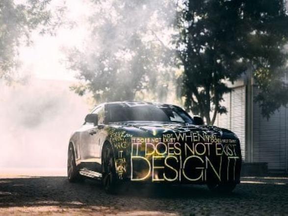 Компания Rolls-Royce назвала имя первой полностью электрической модели